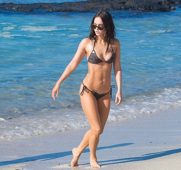 megan-fox-hawai-bikini