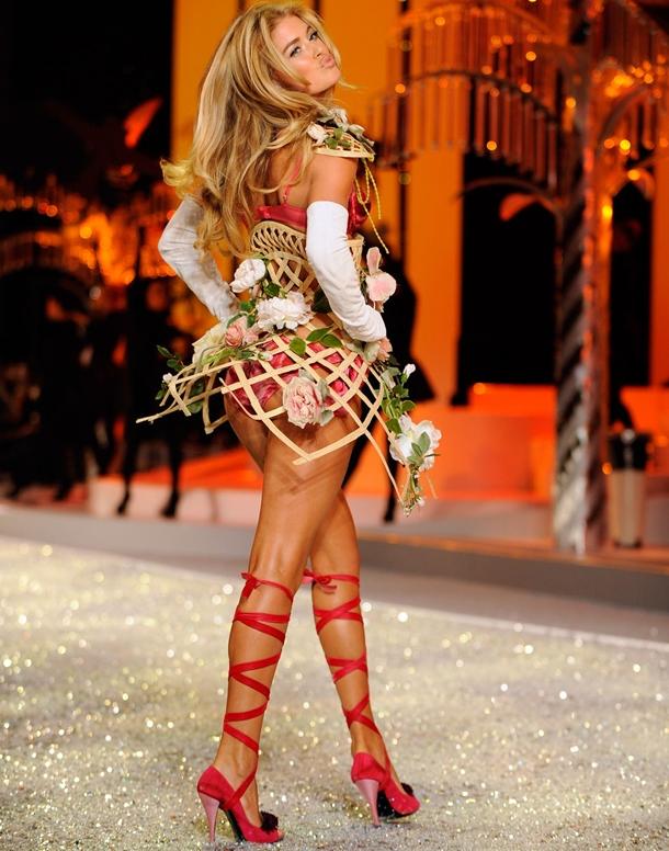 doutzen-kroes-victorias-secret-fashion-show