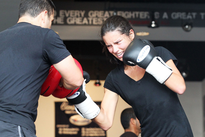 **EXCLUSIVE**  BEAUTIFUL BOXER - Adriana Lima keeps her sexy figure in shape by attended a boxing session with Dino Spencer in Miami