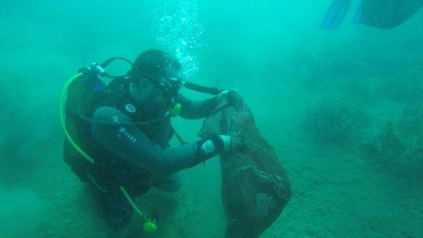 Ata Demirer Denize Daldı Temizlik Yaptı