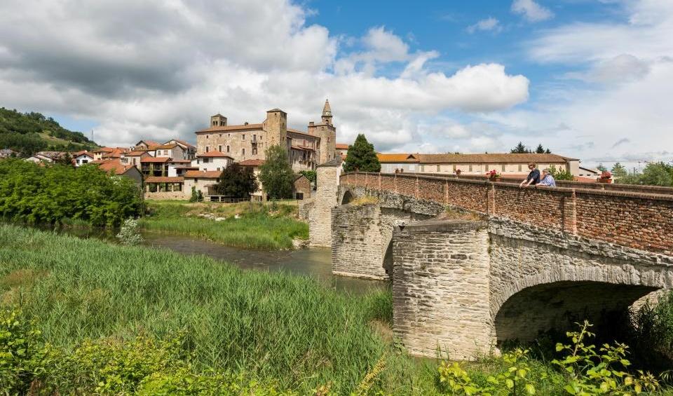 İtalya'da Bu Kasabaya Yerleşenlere Para Ödenecek