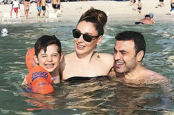 Funda Arar Ailesiyle Dubai'de