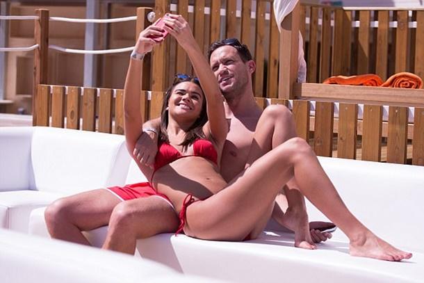 Jamie Reed Ve Sevgilisi İspanyol Adalarında