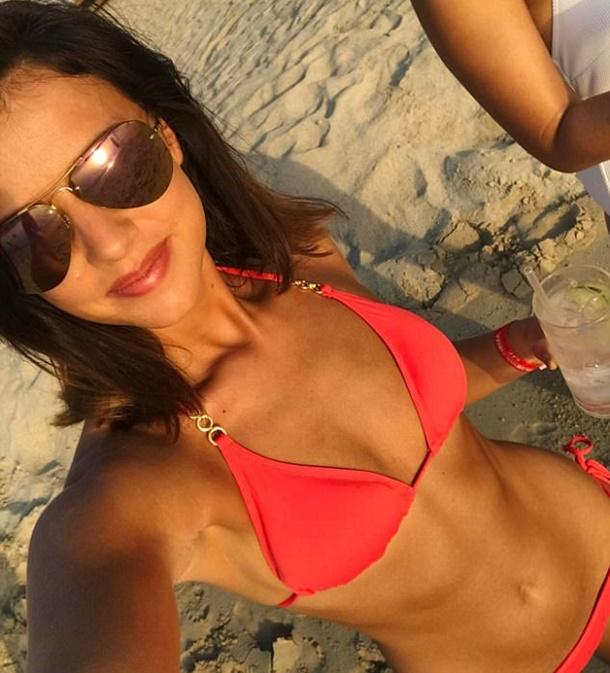 Lucy Mecklenburgh Santorini Tatilinde