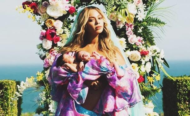 Beyonce İkizlerinin Yüzünü İlk Kez Gösterdi