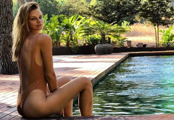 Nadine Leopold Miami Sahillerinde Bikinili