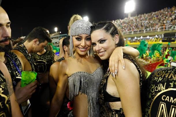 Rio Karnavalında Adriana Lima Rüzgarı