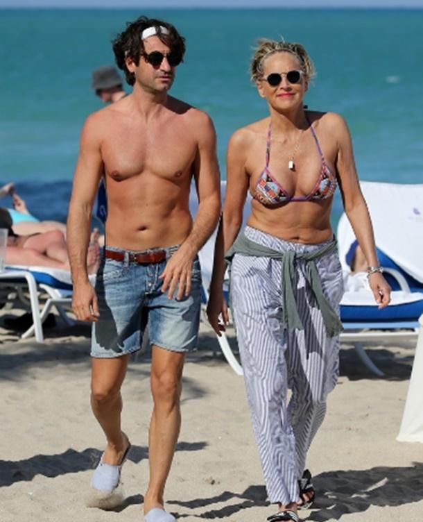 Sharon Stone Genç Sevgilisiyle Miami'de
