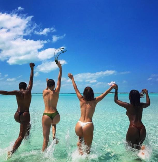 Bella Hadid ve Kendall Jenner arkadaşlarıyla Karayipler turunda