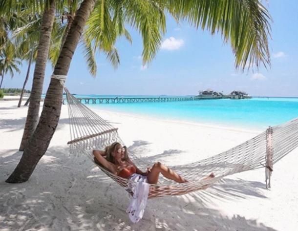Dilara Öztunç Maldivler tatilinde