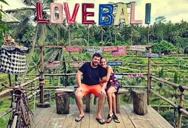 Eser Yenenler Dila Tarkan Bali Adası Tatinde
