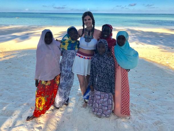 Ünlü Oyuncu Sevil Uyar Zanzibar Turu İle Ruhunu Temizledi