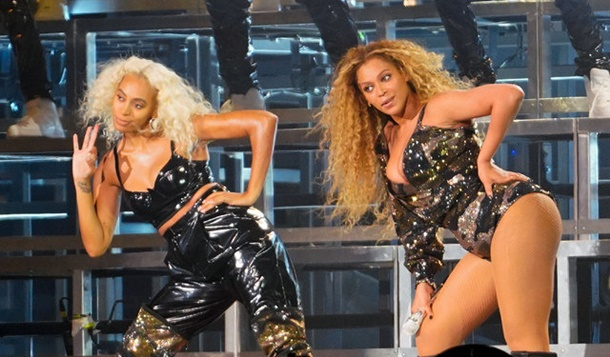 Beyonce Coachella Festivalini salladı
