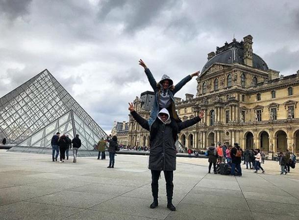 İbrahim Çelikkol ve eşi Paris'te aşk tazeledi