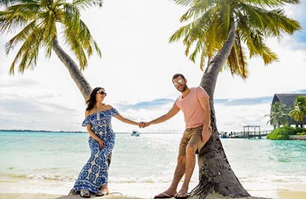 Murat Yıldırım ve eşi Imane Elbani Maldivler tatilinde
