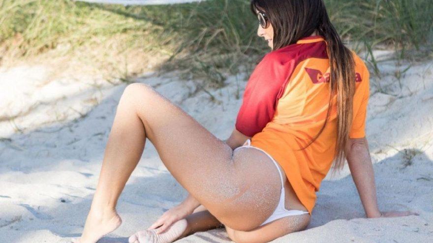 İtalyan hakem Claudia Romani Galatasaray formasıyla poz verdi